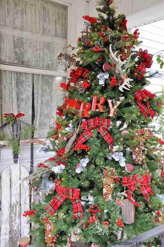 InspoDay: cinque stili per l'albero di Natale